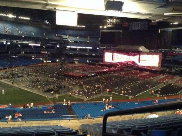 Rogers Centre, secção: 218L, fila: 13, lugar: 101