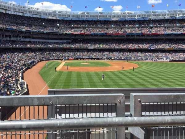 Yankee Stadium, secção: 206, fila: 1, lugar: 11