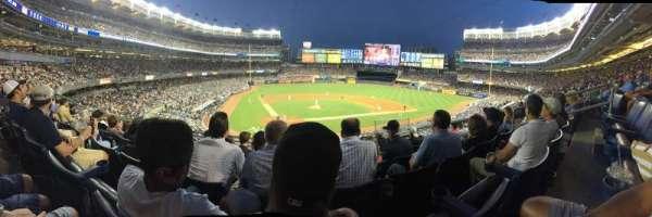 Yankee Stadium, secção: 218b, fila: 6, lugar: 6