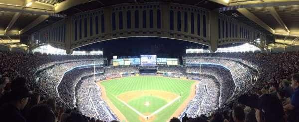 Yankee Stadium, secção: 420B, fila: 13, lugar: 16