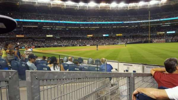 Yankee Stadium, secção: 111, fila: 7, lugar: 4