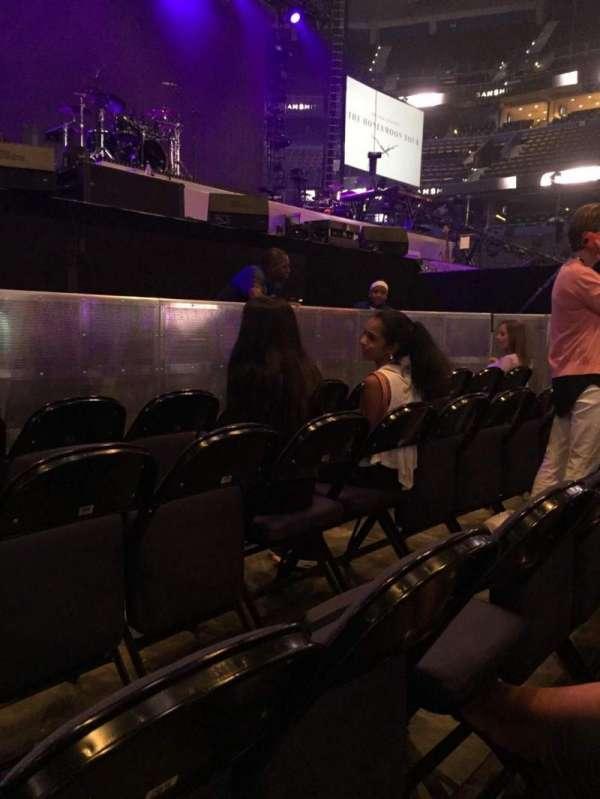 Amalie Arena, secção: Floor 1, fila: 4, lugar: 12