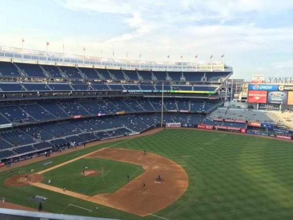 Yankee Stadium, secção: 412, fila: 9, lugar: 15