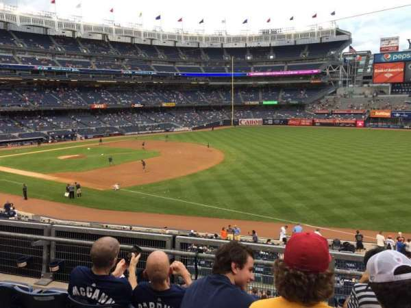 Yankee Stadium, secção: 112, fila: 1, lugar: 9