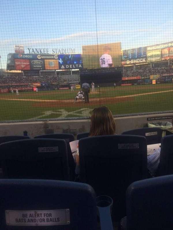 Yankee Stadium, secção: 020, fila: 4, lugar: 3