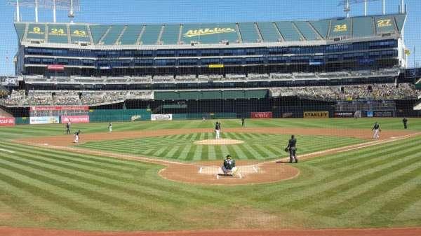 Oakland Coliseum, secção: 117, fila: 13, lugar: 9