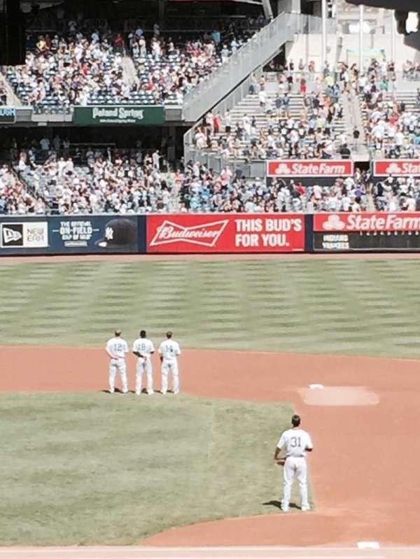 Yankee Stadium, secção: 107, fila: 10, lugar: 1
