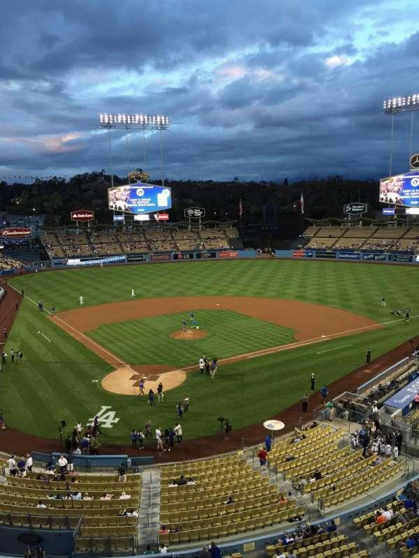 Dodger Stadium, secção: 4RS, fila: A, lugar: 7