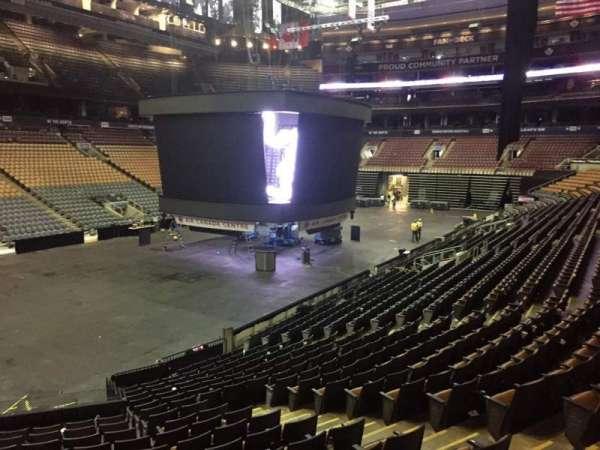 Scotiabank Arena, secção: 122, fila: 20, lugar: 5