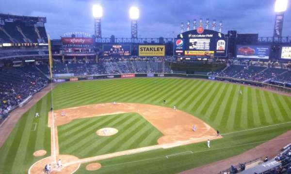 Guaranteed Rate Field, secção: 527, fila: 2, lugar: 16