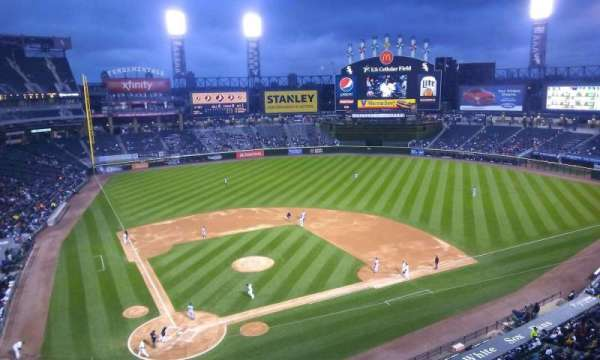 Guaranteed Rate Field, secção: 528, fila: 2, lugar: 8