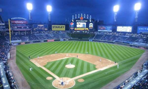 Guaranteed Rate Field, secção: 530, fila: 2, lugar: 1