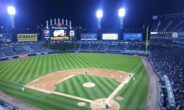 Guaranteed Rate Field, secção: 534, fila: 2, lugar: 1