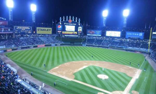 Guaranteed Rate Field, secção: 535, fila: 1, lugar: 8