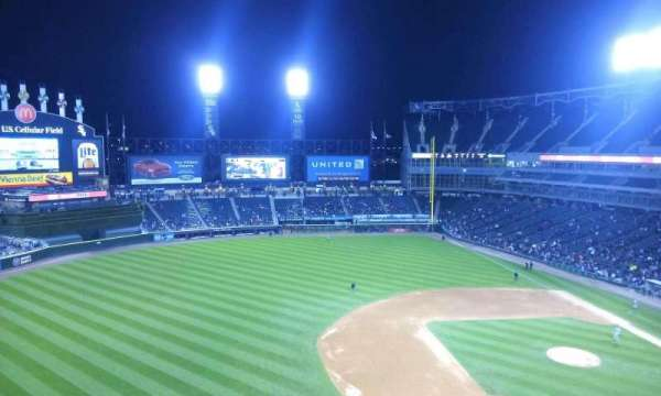 Guaranteed Rate Field, secção: 542, fila: 2, lugar: 15