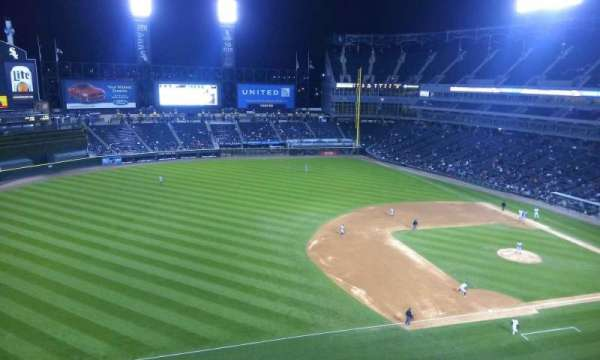 Guaranteed Rate Field, secção: 544, fila: 2, lugar: 15