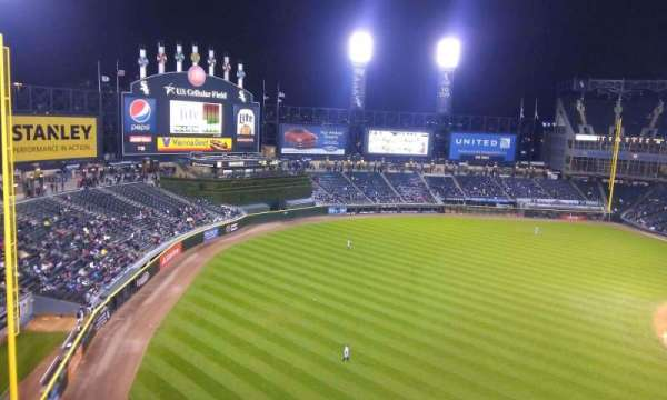 Guaranteed Rate Field, secção: 548, fila: 2, lugar: 14