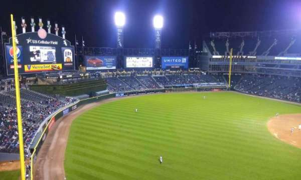 Guaranteed Rate Field, secção: 550, fila: 2, lugar: 1