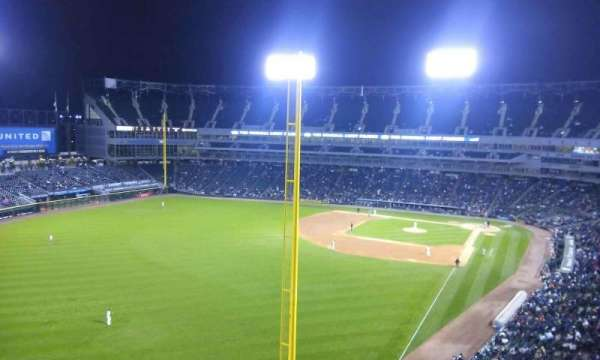 Guaranteed Rate Field, secção: 556, fila: 2, lugar: 8