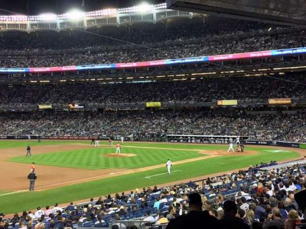 Yankee Stadium, secção: 127b, fila: 6, lugar: 11