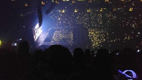 Honda Center, secção: 412, fila: R, lugar: 8