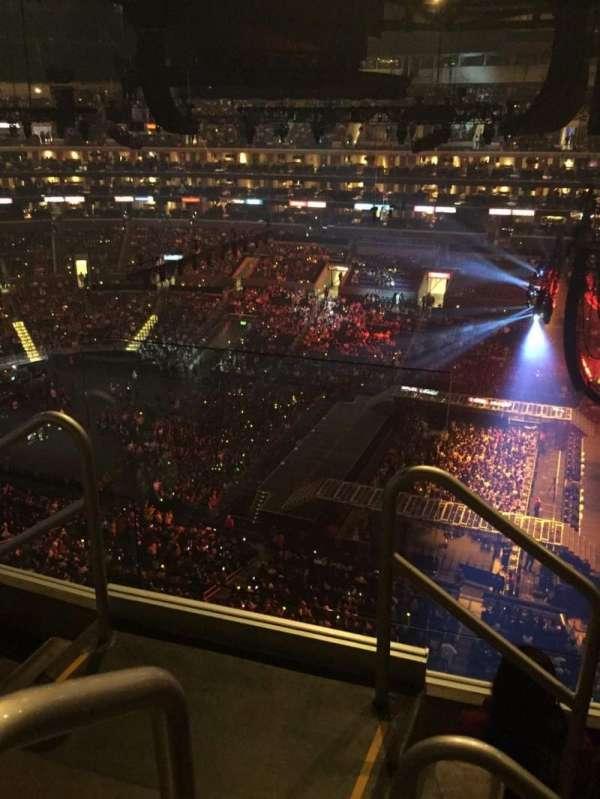 Staples Center, secção: 333, lugar: 15