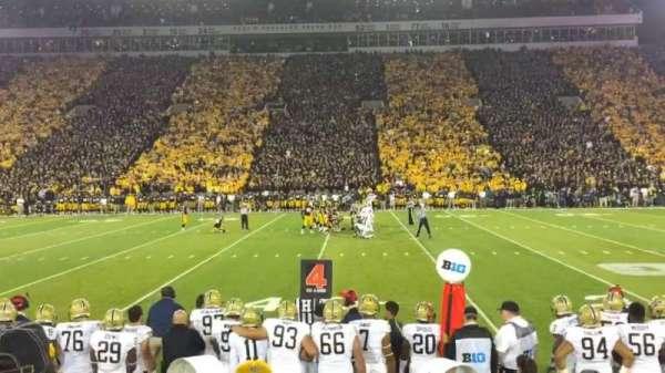Kinnick Stadium, secção: 105, fila: 8, lugar: 3