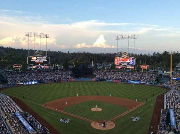 Dodger Stadium, secção: 3RS, fila: O, lugar: 8