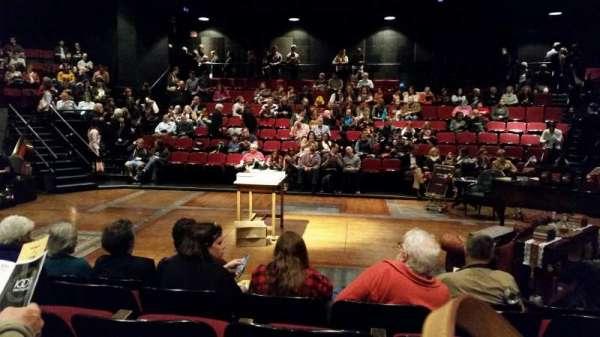 Circle in the Square Theatre, secção: Orchestra, fila: E, lugar: 223