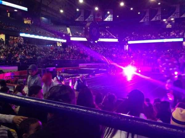 Allstate Arena, secção: 111, fila: A, lugar: 24