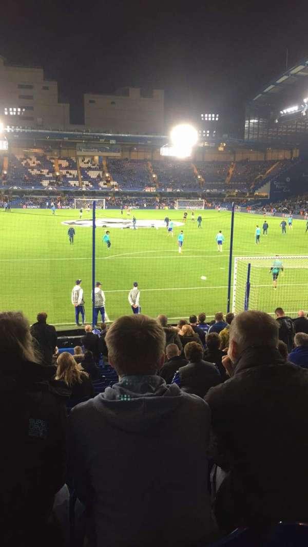 Stamford Bridge, secção: Mathew Harding lower block 13, fila: W, lugar: 106