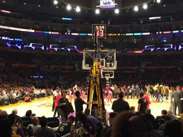 Staples Center, secção: 106, fila: K, lugar: 11