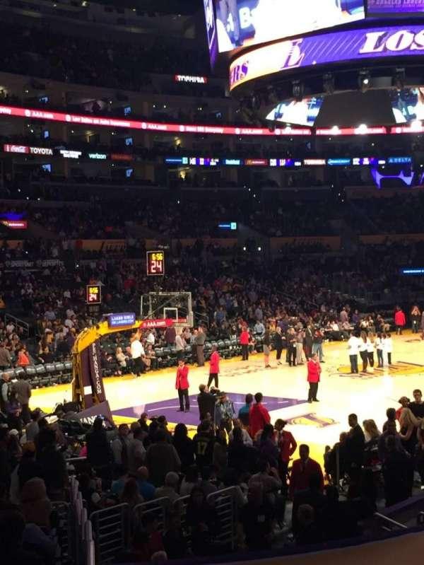 Staples Center, secção: 105, fila: 16, lugar: 2