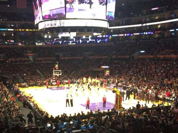 Staples Center, secção: 209, fila: 2, lugar: 6