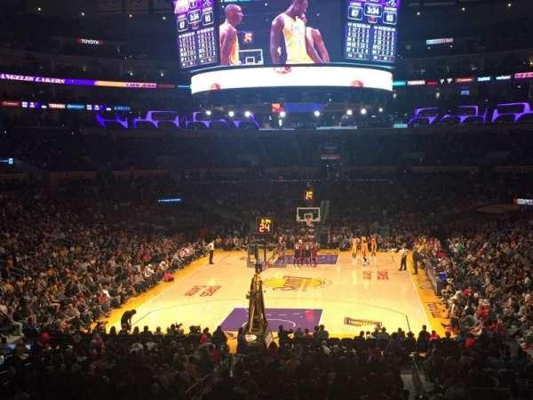 Staples Center, secção: 207, fila: 4, lugar: 7