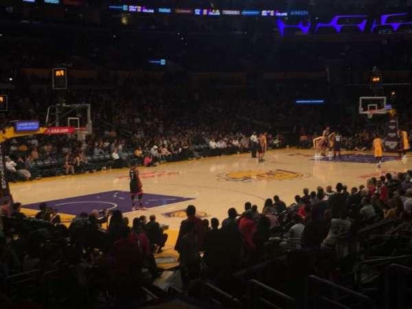 Staples Center, secção: 104, fila: 14, lugar: 12