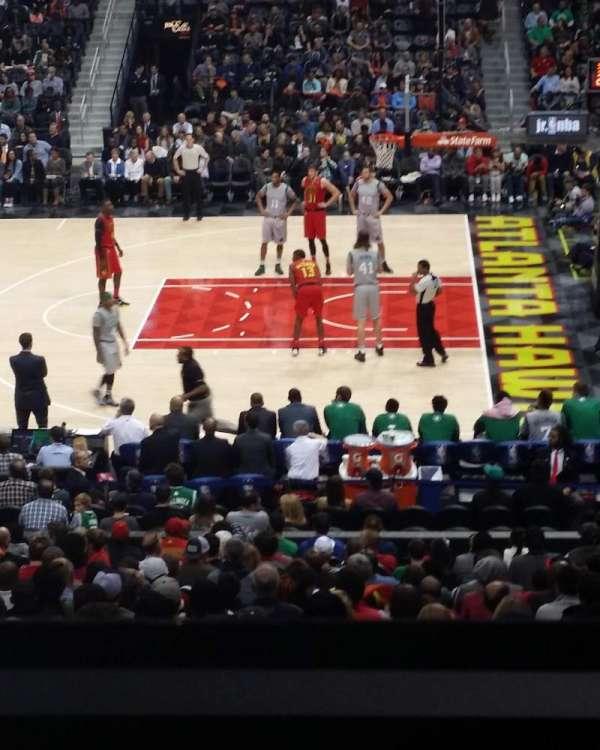 State Farm Arena, secção: 114, fila: YC, lugar: 3