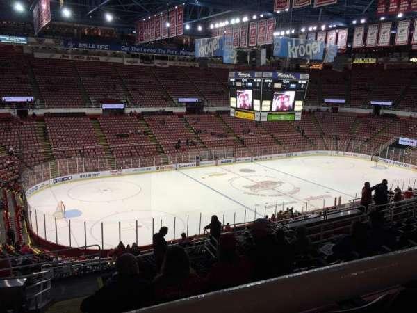 Joe Louis Arena, secção: 225A, fila: 13, lugar: 11