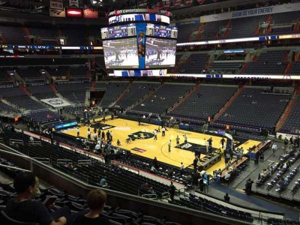 Capital One Arena, secção: 203, fila: F, lugar: 11