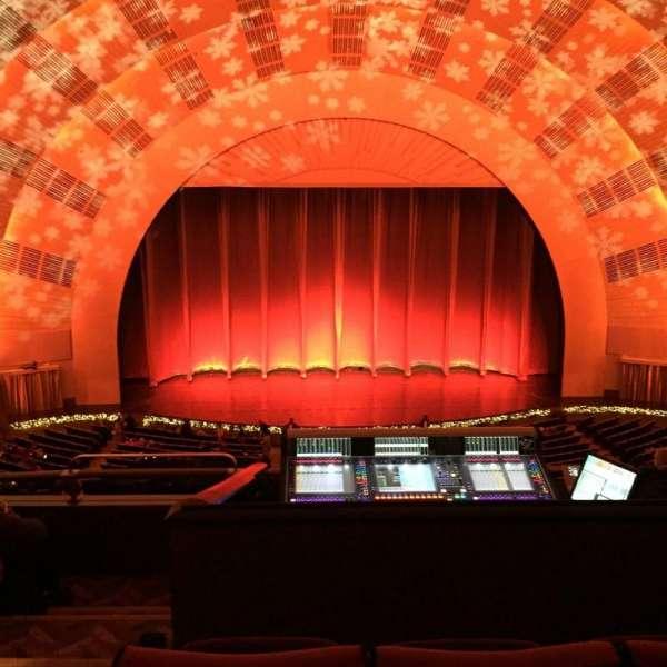 Radio City Music Hall, secção: 2nd Mezzanine 4, fila: E, lugar: 413