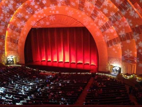 Radio City Music Hall, secção: 2nd Mezzanine 2, fila: A, lugar: 201