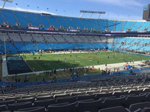 Bank of America Stadium, secção: 320, fila: 21, lugar: 14
