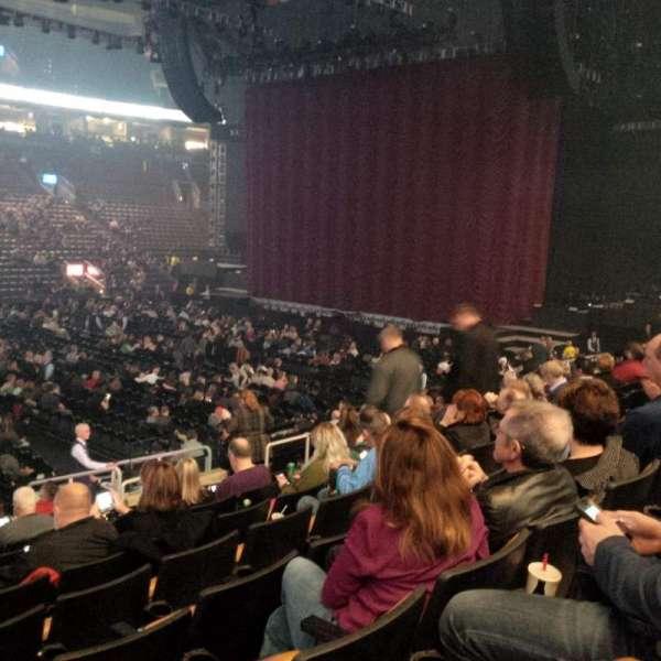 Scotiabank Arena, secção: 120, fila: 16, lugar: 12