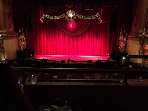 Beacon Theatre, secção: Loge Center, fila: B, lugar: 111-112