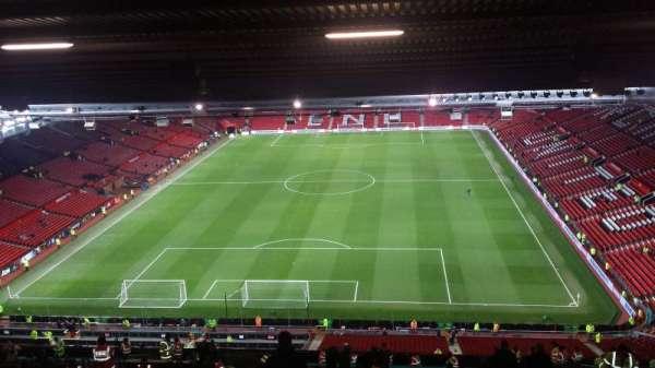 Old Trafford, secção: E335