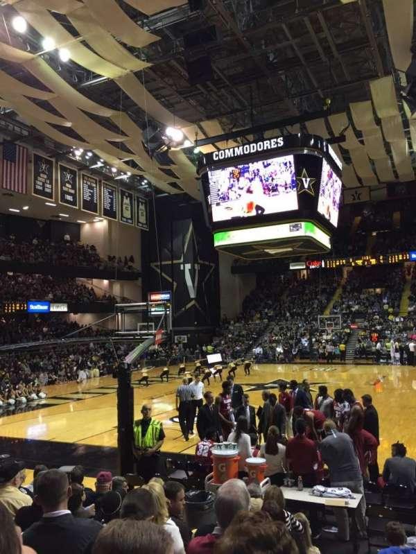 Memorial Gymnasium (Vanderbilt), secção: F, fila: 8