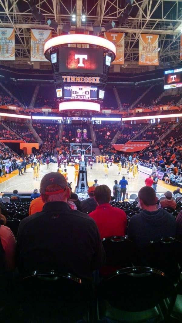 Thompson-Boling Arena, secção: 113, fila: 12