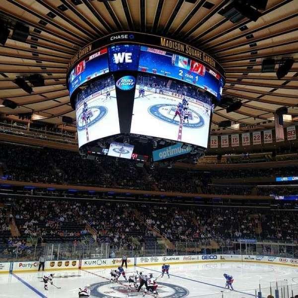Madison Square Garden, secção: 106, fila: 12