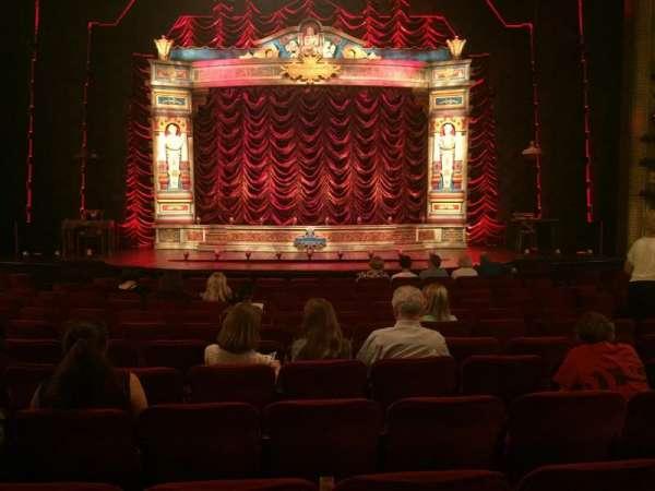 Walter Kerr Theatre, secção: Orchestra C, fila: R, lugar: 107