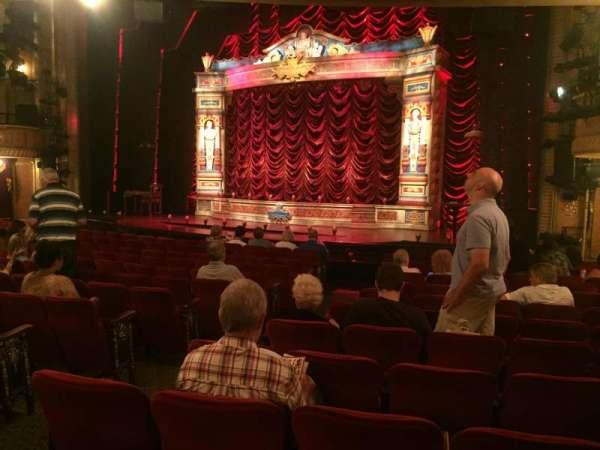 Walter Kerr Theatre, secção: Orchestra R, fila: R, lugar: 8
